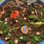 minimundos de dinosaurios tuff tray bandeja sensorial